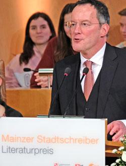 Oberbürgermeister Michael Ebling. © Foto: Diether v. Goddenthow