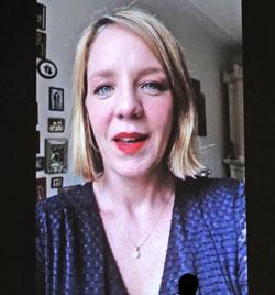 """Katrin Wichmann , Preis für """"Beste Darstellerin"""" in ihrer Rolle im NDR-Tatort """"Borowski und das Glück der Anderen"""". Foto aus ihrer Video-Botschaft."""