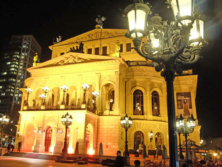 Alte Oper Frankfurt © Foto: Diether v. Goddenthow