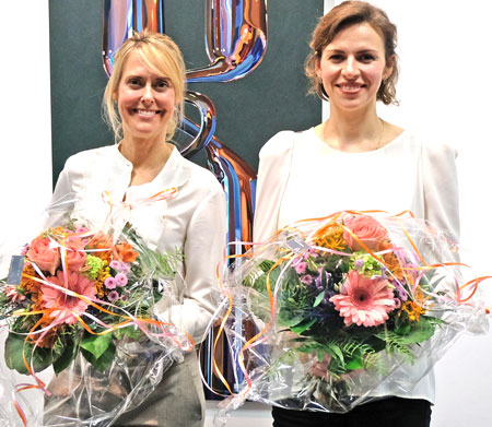 Glücksforscherin Maike van den Boom (r.) und Ausnahmekünstlerin Katharina Reschke im MVB-Forum am 9. April 2019.© Foto: Diether v. Goddenthow