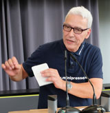 Jürgen Kipp, Organisator der Minipressenmesse.© Foto: Diether v. Goddenthow