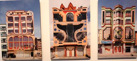Der bolivianische Architekt Freddy Mamani zeigt am Beispiel von sechzig Gebäuden in Et Atto, der höchstgelegenen Stadt der Welt, wie sich Architektur formschön weiterentwickeln könnte. © Sagmeister & Walsh