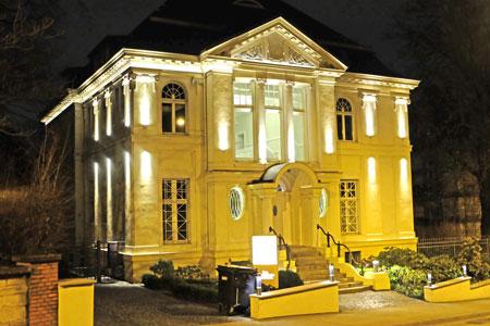 Auch diese historistische Villa in der Bierstadter Strasse wäre wie hunderte andere, in denen May keinen ästhetischen Wert sah, seinen 1960er Planen vom neuen Wiesbaden zum Opfer gefallen, © Foto: Diether v. Goddenthow