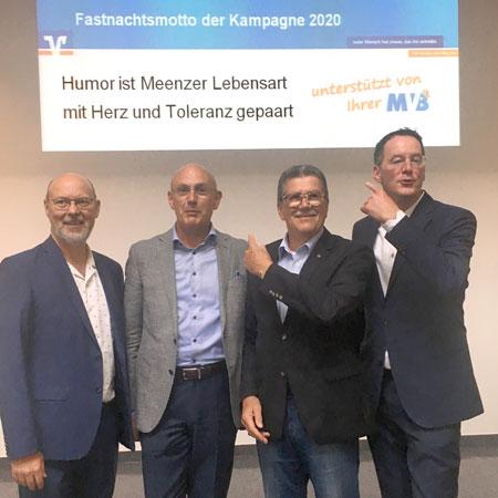 Bild: Von links: Michael Bonewitz, MCV-Vorstandsmitglied, Uwe Abel, Vorstandsvorsitzender der Mainzer Volksbank, Prof. Dr. Dr. Reinhard Urban, MCV-Präsident, und Michael Ebling, Oberbürgermeister der Stadt Mainz  © MCV