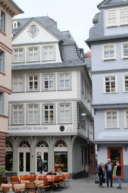 Struwwelpeter Museum im rekonstruierten Haus von Goethes Tante.©  Foto: Diether  v Goddenthow