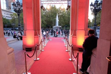 Am 18.Oktober wird vor der Alten Oper Frankfurt für die Filmschaffenden des Landes wieder der rote Teppich ausgerollt werden. ©  Foto: Diether  v Goddenthow