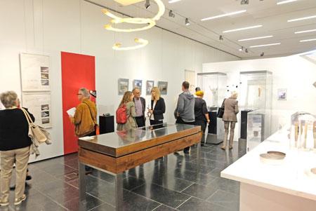 """""""viele wege – ein ziel"""" 50 Jahre Berufsverband Kunsthandwerk: Sonderausstellung im Landesmuseum Mainz - Ausstellungs-Impression ©  Foto: Diether  v Goddenthow"""