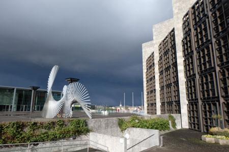 Bedeutendes Kulturdenkmal der neuen Moderne Rathaus Mainz. ©  Foto: Diether  v Goddenthow
