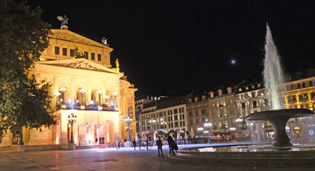 Alte Oper in Frankfurt.© Foto: Diether v Goddenthow