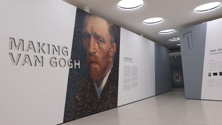 """MAKING VAN GOGH thematisiert die besondere Rolle, die Galeristen, Museen Privatsammler und Kunstkritiker im Deutschland des frühen 20. Jahrhunderts für die posthume Rezeption van Goghs als """"Vater der Moderne"""" spielten.© Foto: Diether v Goddenthow."""