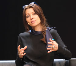 Elif Safak © Foto: Diether v Goddenthow