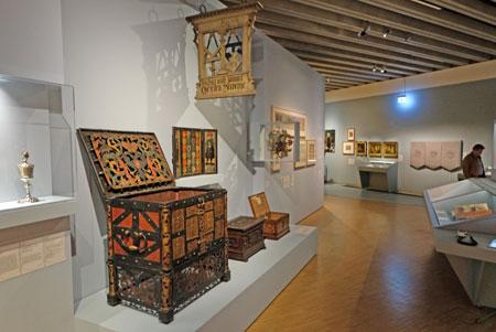 Ausstellungsimpression der Sonderausstellung Meisterstücke, hier: Bereich Zunftwesen. ©  Foto: Diether  v Goddenthow