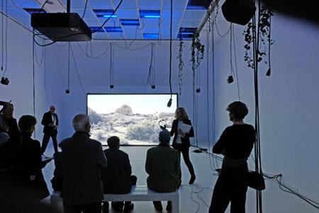 "Video-Raum ""Holobiont Society"" von Dominique Koch im 2. OG © Foto: Diether v Goddenthow"