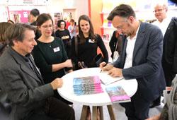Lukas Bärfuss, Georg Büchner-Preisträger 2019 signiert. © Foto: Diether v Goddenthow