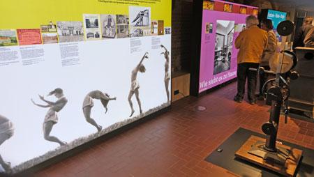 """Ausstellungs-Impression der Ausstellung """"Stadt – Jugend – Stil. Lebensreform in Wiesbaden""""  vom 23.10.2019 - 8.03.2020 © Foto: Diether v Goddenthow"""