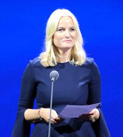 Mette Marit von Norwegen rezitierte ein Gedicht. © Foto: Diether v Goddenthow