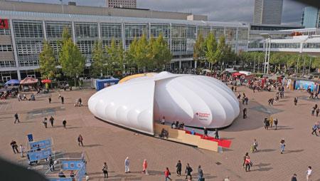 Frankfurt Pavilion war wieder zentraler Ort besonderer Events. © Foto: Diether v Goddenthow