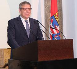 Oberbürgermeister Gert-Uwe Mende. © Foto: Diether v Goddenthow