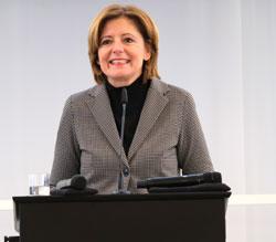 Ministerpräsidentin Malu Dreyer: Ihr Engagement baut Brücken zwischen Menschen. © Foto: Diether v Goddenthow
