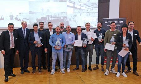 Abschlussfoto aller Sieger und Beteiligten von Frankfurt Forward am 14.10.2019 in der IHK Frankfurt Foto: Diether v. Goddenthow