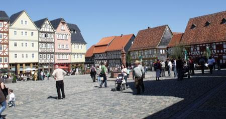 Freilichtmuseum Hessenpark - Historischer Marktplatz. Ab März 2020 beginnt die neue Saison. © Foto: Diether v Goddenthow