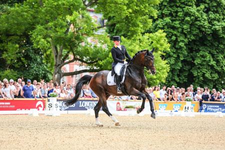 Wiesbadens Special Rekordsiegerin: Isabell Werth. 2020 könnte sie schon am Pfingstsamstag ihren 14. Special-Sieg vor dem Biebricher Schloss feiern. Foto: Wolfgang Schwab