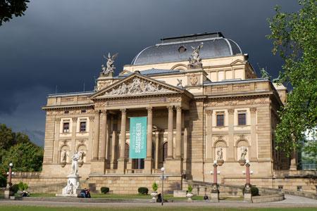 Hessisches Staatstheater Wiesbaden © Foto: Diether v Goddenthow