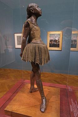 Edgar Degas' Plastik Kleine 14-jährige Tänzerin (1878/81, Privatsammlung, Europa) © Foto: Diether v Goddenthow