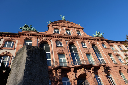 Senckenberg Naturmuseum Frankfurt © Foto: Diether v Goddenthow