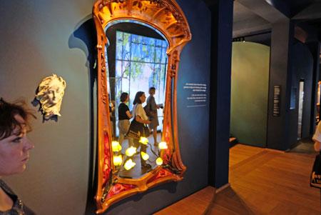 """Impression """"Ein Jahr 'Jugendstil. Schenkung F. W. Neess' im Museum Wiesbaden"""" © Foto: Diether v. Goddenthow"""
