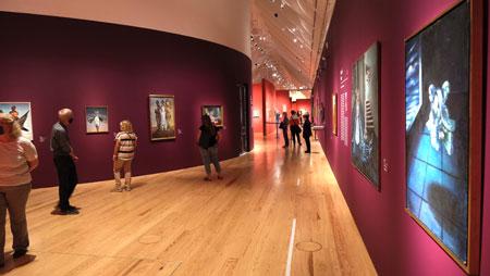 """Ausstellungsimpression """"Fantastische Frauen. Surreale Welten von Meret Oppenheim bis Frida Kahlo"""", Schirn Kunsthalle Frankfurt. Rachel Baes """"Die absolute Unendlichkeit"""" © Foto: Diether v. Goddenthow"""