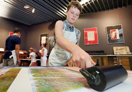 Kindergeburtstag im Druckladen Foto: Bernd Eßling, © Gutenberg-Museum