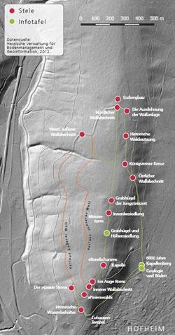 Diese Karte sollten Wanderer zur Orientierung auf dem archäologischen Rundweg dabei haben (einscannbar per QR-Code), um sich  im Gelände auch abseits der ausgebauten Forstwege zurechtzufinden.