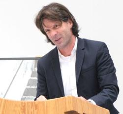 Laudator und Juryvorsitzender Dr. Christian Metz. © Foto: Diether v. Goddenthow