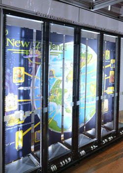 Simon Denny Modded Server-Rack Display with David Darchicourt Commissioned Map of Aotearoa New Zealand (2015) © Foto: Diether v. Goddenthow
