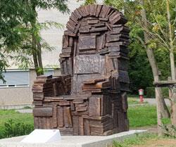 """Büchersessel """"Dem ungelesenen Buche"""" © Foto: Diether v. Goddenthow"""
