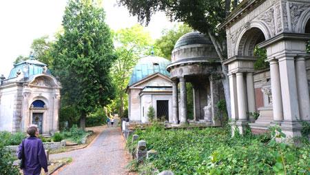 Mausoleen Mainzer Hauptfriedhof. © Foto: Diether v. Goddenthow