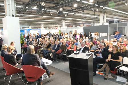 Weltempfang Buchmesse 2019 © Foto: Diether v. Goddenthow