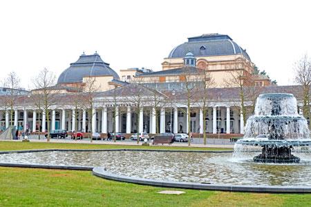 Hessisches Staatstheater Wiesbaden © Foto Diether v. Goddenthow