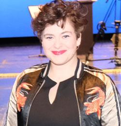 Dichterin und Performerin Nora-Gomringer wurde mit der Carl-Zuckmayer-Medaille 2021 ausgezeichnet. © Foto Diether v. Goddenthow-