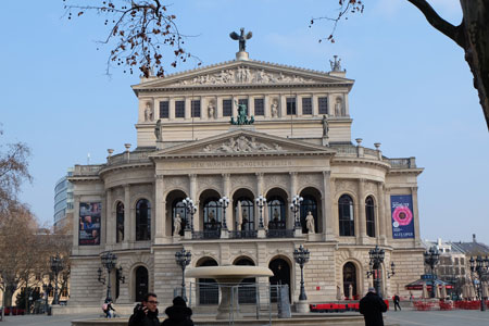 Alte Oper Frankfurt © Foto Diether v. Goddenthow