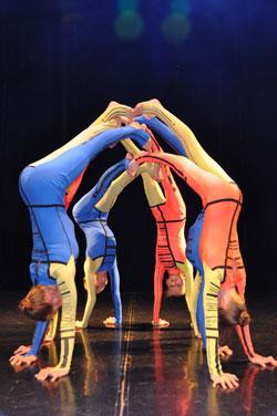 Die russische Akrobatikgruppe Grazie erhielt 2016 den Preis der Wiesbadener Kirchen. © Foto: Diether v. Goddenthow