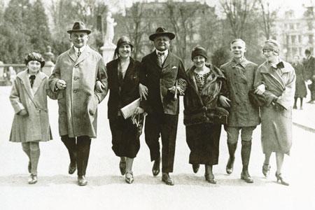 Alexej Jawlensky inmitten seiner Freunde 1924 Wiesbaden. Foto Alexej von Jawlensky Archiv S._A. Locarno