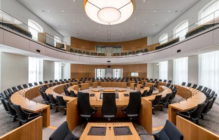 Impression des neuen Plenarsaals. © Landtag Rheinland-Pfalz. Foto Torsten Silz