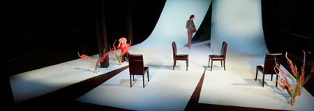 """Foto: """"Baumeister Solnes"""" von Henrik Ibsen. Eine Aufführung des Freien Schauspiel Ensembles Frankfurt im September 2009 © Felix J. Holland"""
