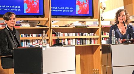 Antje Rávik Strubel im Gespräch mit Moderatorin-Bianca-Schwarz-(hr2) © Foto Diether v. Goddenthow