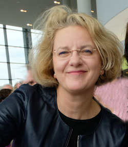 """Dr. Annette Ludwig. """"Museumsdirektorin hat in Mainz großartige Arbeit geleistet!"""" (Kulturdezernentin Marianne Grosse)  © Foto  Diether v Goddenthow"""