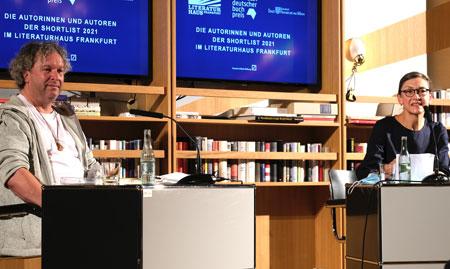 Thomas Kunst- im Gespräch mit Eva-Maria-Magel (FAZ) © Foto Diether v. Goddenthow